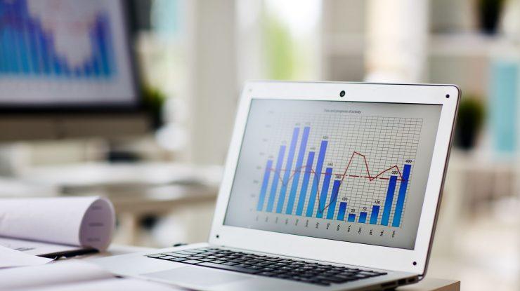 Tablet utilizado para medir rentabilidade marketplace